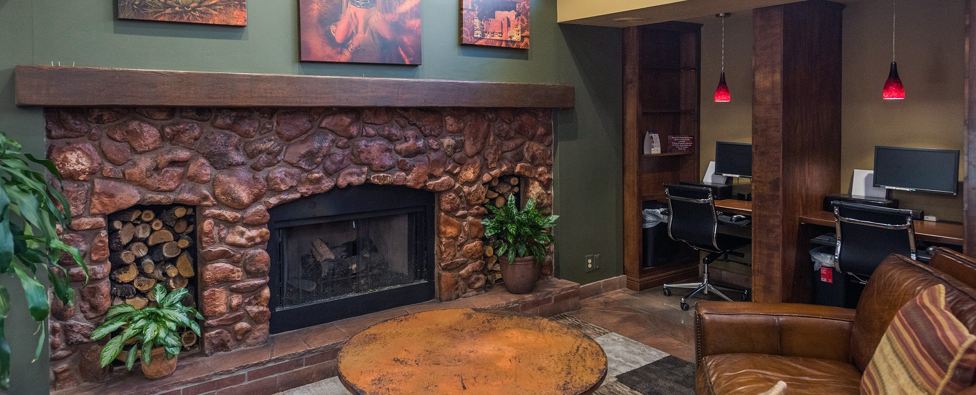 Best Western Plus Inn of Sedona-Lobby Sitting Area with Business Center